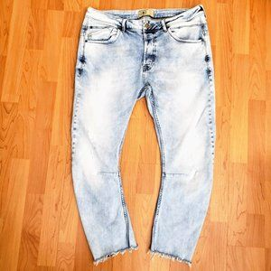 Zara Man Buttonfly Tapered Leg Fray Ankle Jeans 34